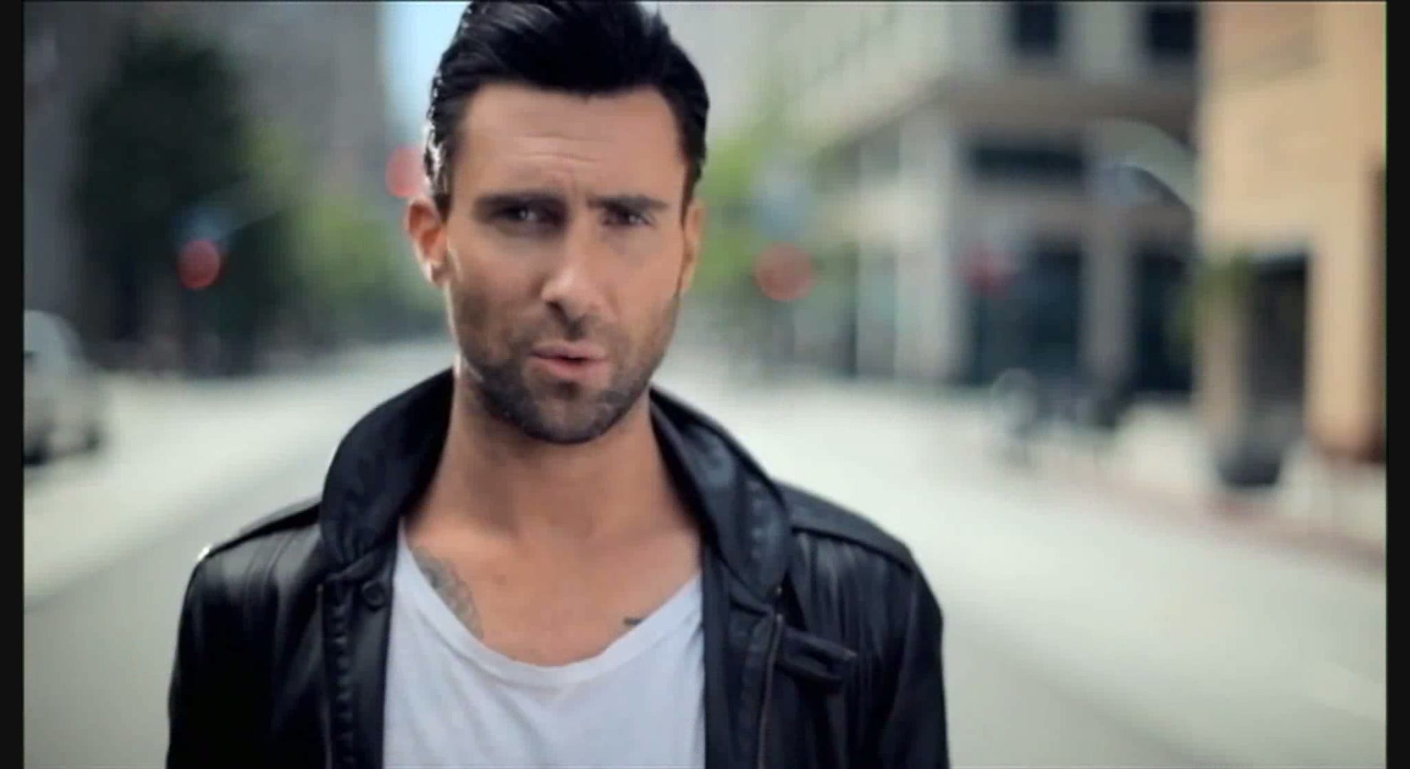 Maroon 5's Adam Levine (Source: fanpop.com)